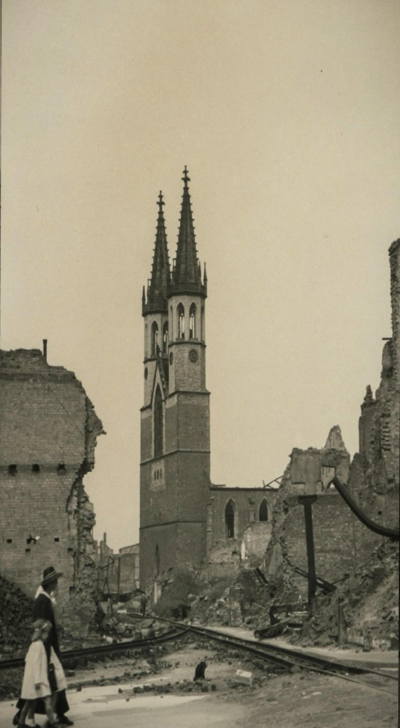 20141008-Ulrichskirche1_Zeitreisen_Magdeburg_alt