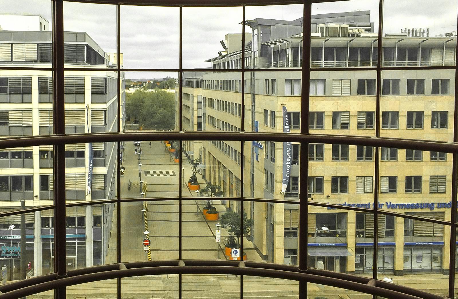 Bahnhofsvorplatz_Zeitreisen_Magdeburg_Neu-2