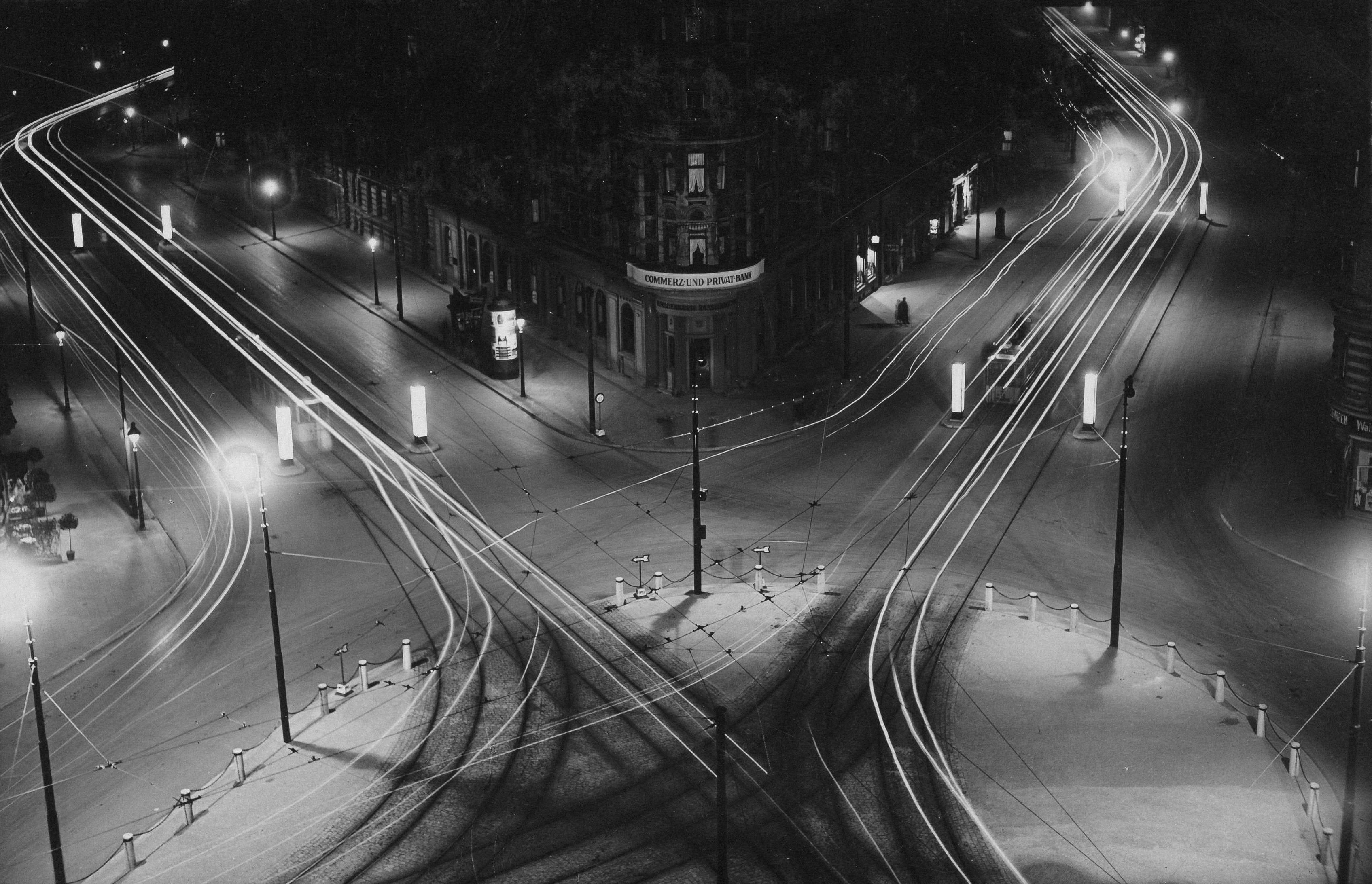 Hasselbachplatz_Nachtaufnahm